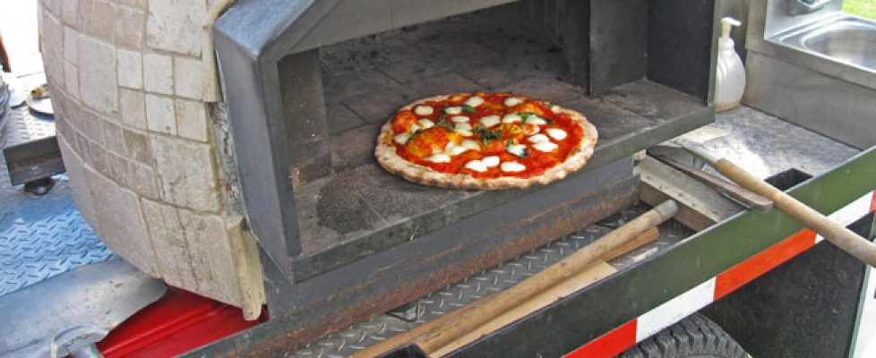 wood-fired-pizza-truck